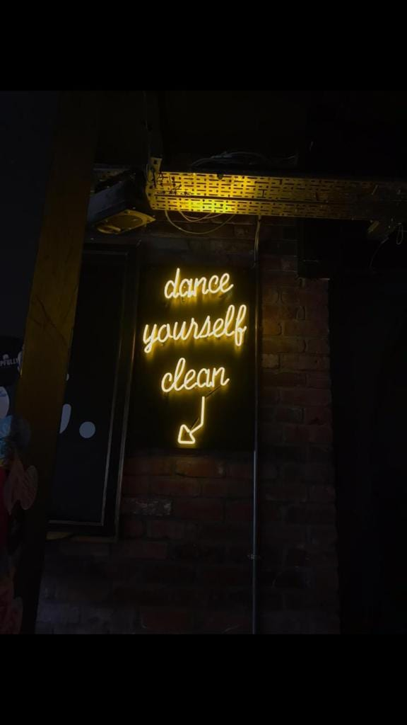 dance yoursel clean yellow tube light