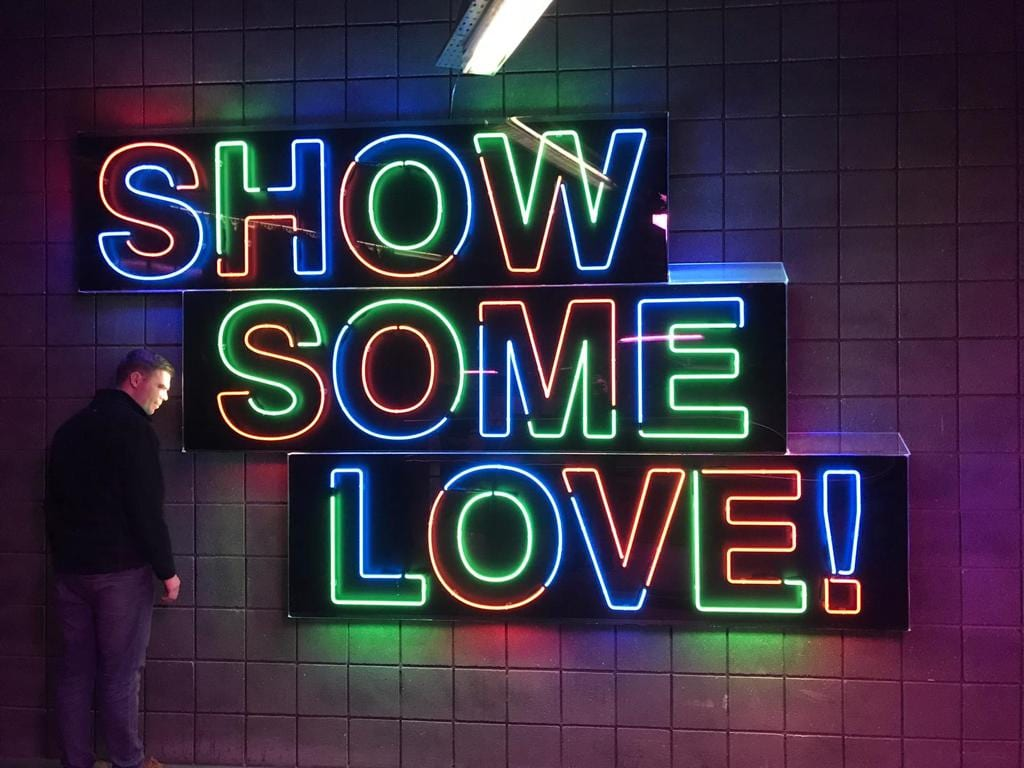sign by glass blower blsignneon